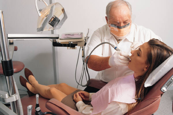 What to Expect When Visiting a Cosmetic Dentist