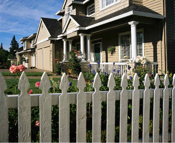Garden Gates and Railings: Secure and Attractive
