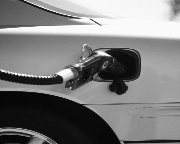 5 Unique Ways to Save Money on Gas