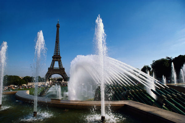 5 Most romantic spots to visit in Paris