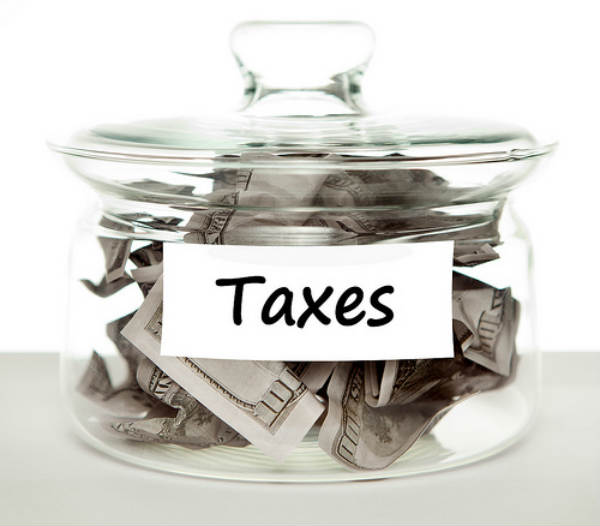 Tax Credits Can Help Joe Consumer Save Money Every April 15